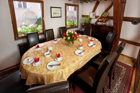 picture of the breakfast table