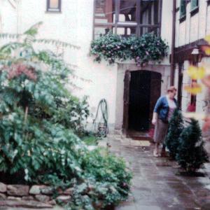 Innenhof (1981)